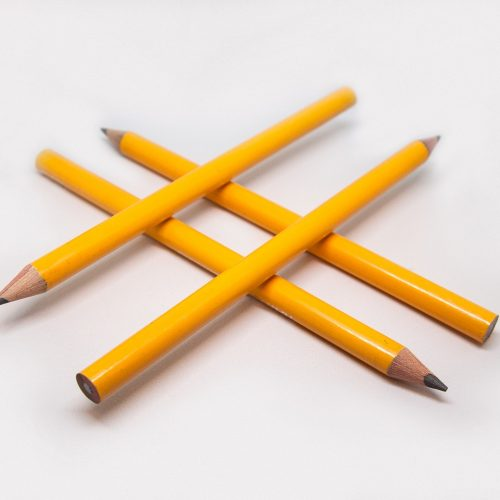hashtag pencils image courtesy of Pixabay for TrainingMatchmaker.com blog post on hashtags that trainers in Northern Ireland can use in their content marketing